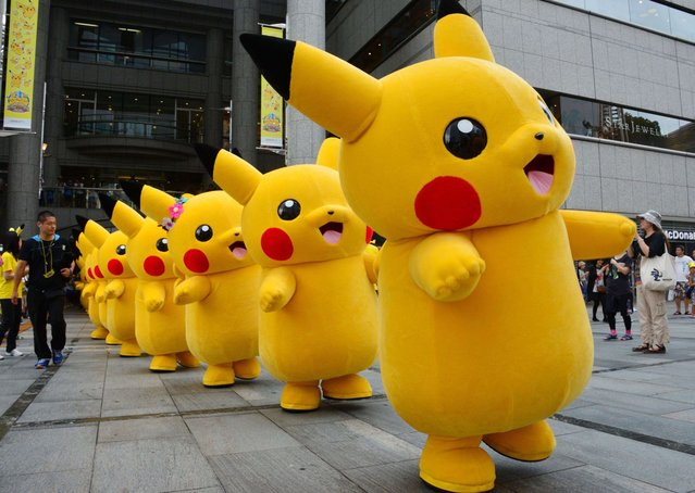Japanese Pikachu Pokemon Go Mascot Costume Fancy Dress Outfit