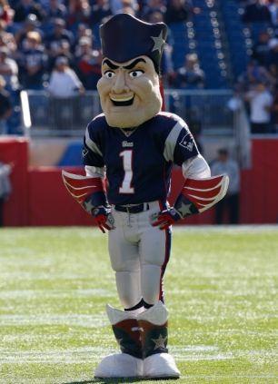 New England Patriots Mascot Adult Costume. Zoom de5a8ffd4b1e